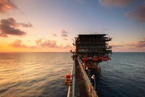 Eksperter: Olie kan gå højere i de næste måneder